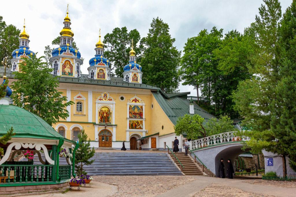 Псково - Печорский монастырь