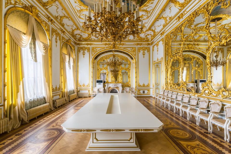 6 марта 2021года. Отличный подарок к 8 марта! Дворец Кочубея с фортепианным концертом и изысканным обедом в Охотничьем зале или в Розовой гостиной дворца.